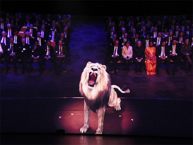 lion roars at hannover messe